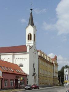 kaple-gymnazium